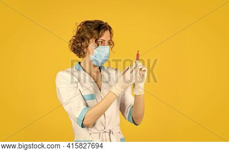 Drug Medicines. Nurse Preparing For Injection. Coronavirus Prevention. Side Effects. Vaccination Con