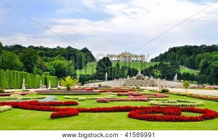 Gärten im Schloss Schönbrunn Wien