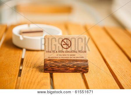 A Non-smoking Room sign