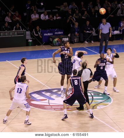 Basketball championship game  United Sates and Greece