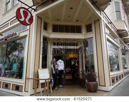 Lululemon Store Exterior And Sign In Berkeley