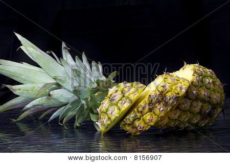 Pineapple With Top