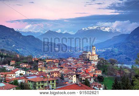 Corrido, Italy