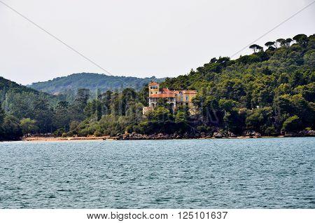 House near the beach in the bay of Setubal in Portugal