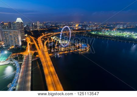 Landscape of the Singapore skyline at night.