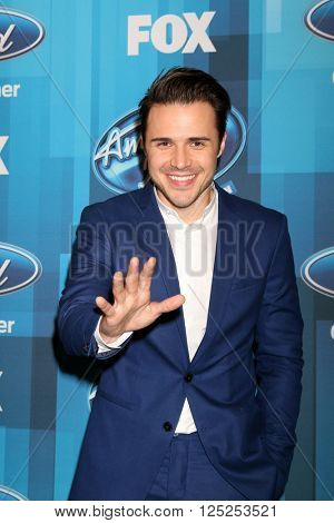 LOS ANGELES - APR 7:  Kris Allen at the American Idol FINALE Arrivals at the Dolby Theater on April 7, 2016 in Los Angeles, CA