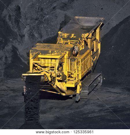 coal transportation machine for processing coal overload