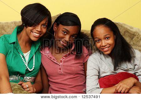 Irmãs adolescentes juntas