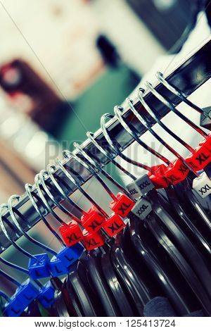 sizing on clothes hangers