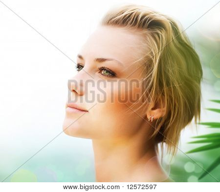 Mooie jonge vrouw gezicht