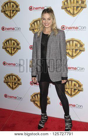 LAS VEGAS - APR 12: Margot Robbie at the Warner Bros. Pictures Presentation during CinemaCon at Caesars Palace on April 12, 2016 in Las Vegas, Nevada