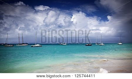 Caribbean beach - Guadeloupe, Lesser Antilles: view from Le Gosier over Dupuy Bay to Ilet du Gosier