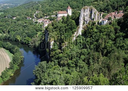 St-cirq Lapopie, France, June 21, 2015 : Position Of The Village, Perched On A Steep Cliff 100M Abov