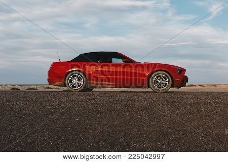Bonneville ,utah, Usa June 4, 2015: Photo Of A Ford Mustang Convertible 2012 Version At Bonneville S