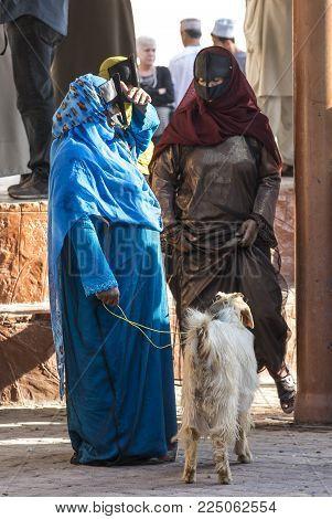 Nizwa, Oman, Febrary 2nd, 2018: Omani Women At A Goat Market