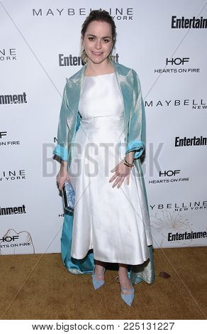 LOS ANGELES - JAN 20:  Taryn Manning arrives for the EW Magazine honors SAG Nominees on January 20, 2018 in West Hollywood, CA