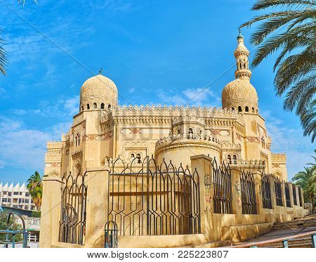 Abu al-Abbas al-Mursi Mosque boasts scenic carved stone details and complex patterns on domes, Alexandria, Egypt.