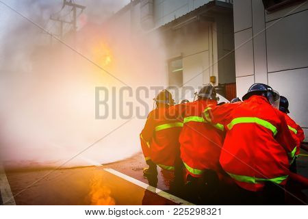 Firefighters Are Training Firefighting Methods For Industrial Workers