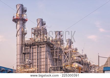 Natural gas combined cycle power plant and Turbine generator