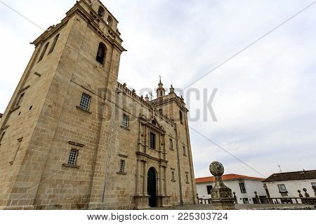 Catholic cathedral of mannerist style with an austere facade flanked by imposed bell towers on each side and surmounted by rail, in Miranda do Douro, Portugal