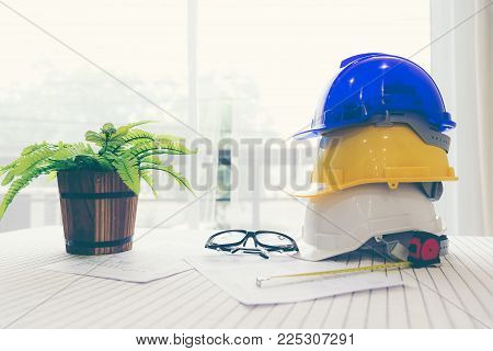 Safety helmet white,blue and yellow for foreman/engineer/architect/visitor use in construction site for safety work,worker,industry