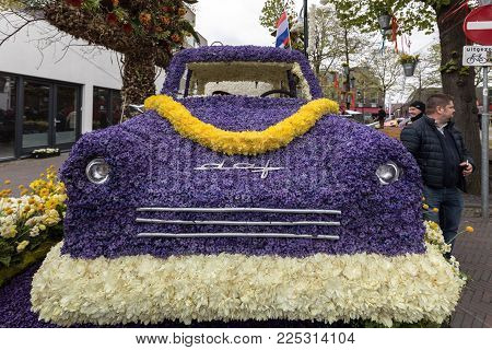 Noordwijkerhout, Netherlands - April 21,  2017: Platform with  tulips and hyacinths during the traditional flowers parade Bloemencorso from Noordwijk to Haarlem in the Netherlands.