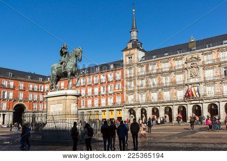 Madrid, Spain - January 22, 2018:  Plaza Mayor With Statue Of King Philips Iii In Madrid, Spain