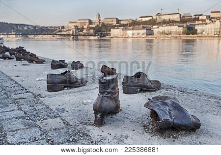 Budapest, Hungary - March 31, 2017: The Memorial Of The Shoes On The Danube Was Created By Can Togay