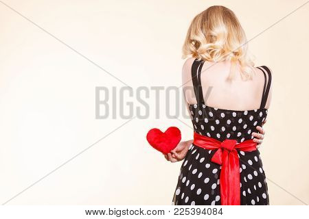 Valentine Day Gift, Proof Of Love, Romantic Present Concept. Woman In Retro Polka Dot Dress Holding