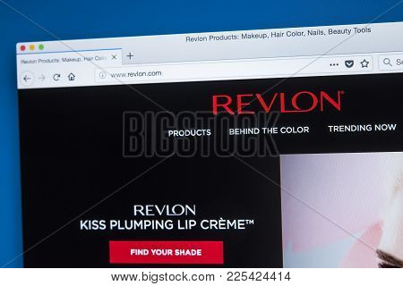 London, Uk - January 8th 2018: The Homepage Of The Official Website For Revlon Inc - The American Co