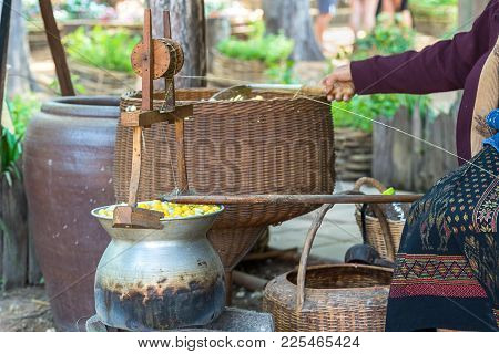 Silk Production Process Boiling Cocoon In A Pot To Prepare A Cocoon Silk , Boiled Silk Nest To Be Si