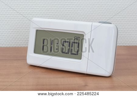 Clock Radio - Time - 11.00 Am