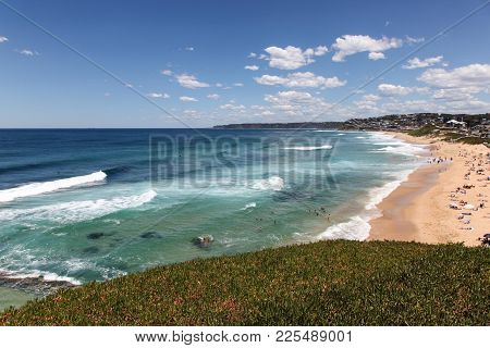 A Beautiful Sunny Summers Day At Bar Beach - Merewether Beach - Newcastle Australia. Newcastle A Cou