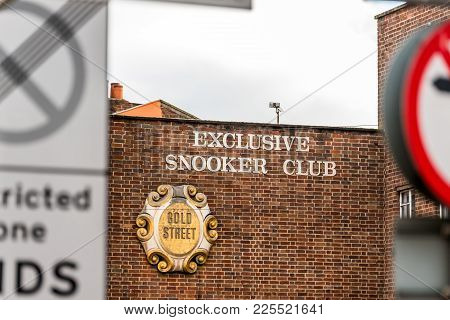 Northampton Uk January 05, 2018: Exclusive Snooker Club Gold Street Logo Sign Stand In Northampton T