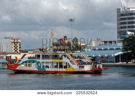 Labuan,malaysia-feb 2,2018:brunei Vehicle & Passenger Ferry Service Known As Shuttle Hope From Brune