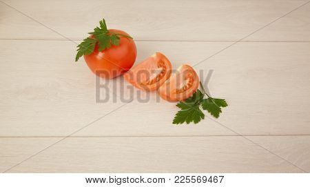 Picture Of Red Tomatoes And Green Parsley