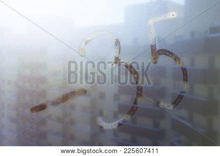 Winter Day, Inscription On Sweaty Glass - Minus 35. Background