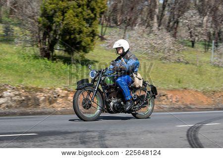 Adelaide, Australia - September 25, 2016: Vintage 1947 Bsa Xb 31 350cc Motorcycle On Country Roads N