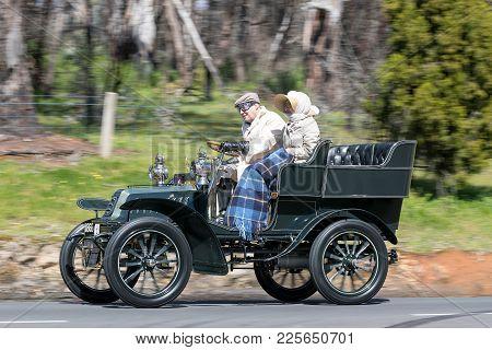 Adelaide, Australia - September 25, 2016: Vintage 1904 De Dion Bouton 8 Hp V Tonnaeu Driving On Coun