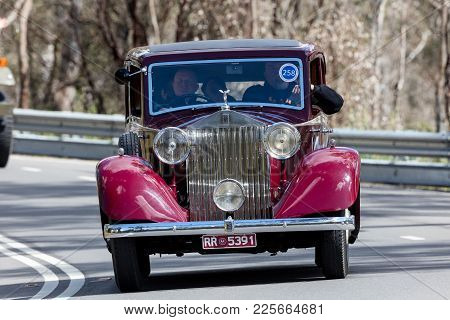 Adelaide, Australia - September 25, 2016: Vintage 1935 Rolls Royce 20/25 Sports Driving On Country R