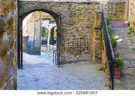 Loggia By Vasari In The Medieval Italian City Of Castiglion Fiorentino. Castiglion Fiorentino, Origi