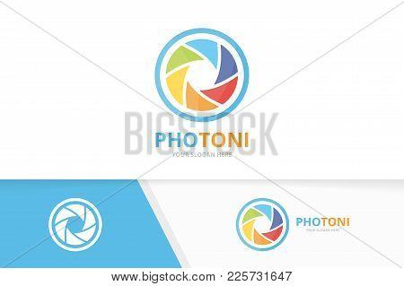 Vector Camera Shutter Logo Combination. Lens Symbol Or Icon. Unique Photo Logotype Design Template.