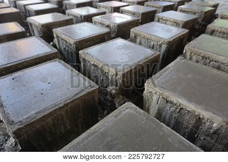 Cube Concrete Samples Casting By Steel Mould