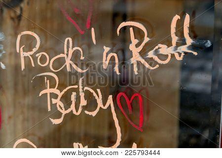 script rock'n roll baby