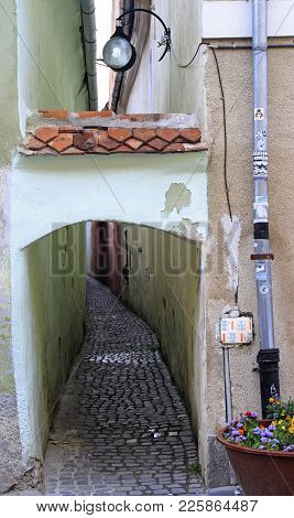 Brasov, Romania - July 25, 2017: Strada Sforii In Brasov Is One Of Most Narrow Streets In Europe