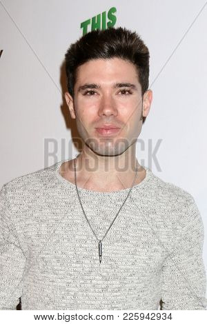LOS ANGELES - FEB 6:  Kristos Andrews at the 7th Annual  LANY Entertainment Mixer at 33 Taps Hollywood  on February 6, 2018 in Los Angeles, CA