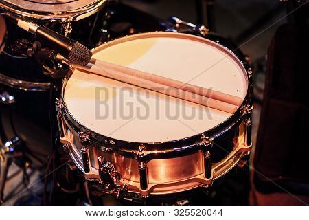 Microphone For Snare Drum Set-up And For Sound Amplification During The Concert With Drumsticks Clos
