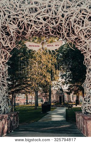 Jackson, Wyoming, Usa - August 17, 2019: Elk Antler Arch With The Moose Antler Sign Welcoming Visito