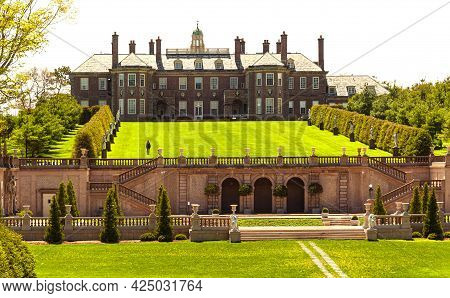 The Great House, A Mansion, Presides Over Castle Hill\'s In The Crane Estate, Located In Ipswich, Ma