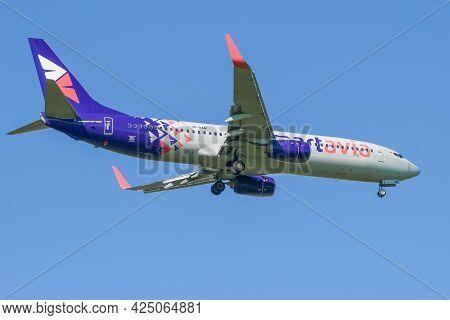 Saint Petersburg, Russia - May 29, 2021: Boeing 737-800 (vp-bam) Of Smartavia Airlines Before Landin